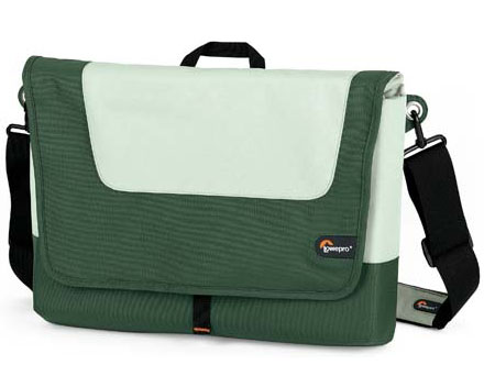 "Lowepro Slim Factor M Fits most 15.4"" Widescreen Notebook Comput"